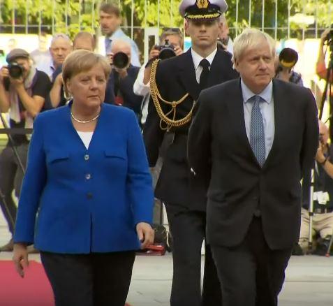 Johnson  eta  Merkelen  arteko  azken  elkarrizketak  Erresuma  Batua  eta  EBren  arteko  akordioa  zailtzen  du